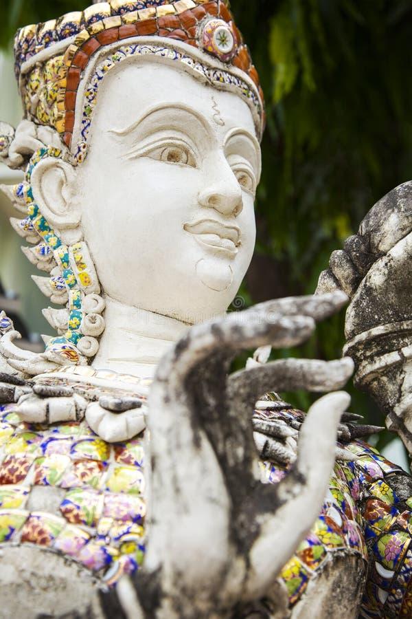 Wit Thais Standbeeld stock afbeelding