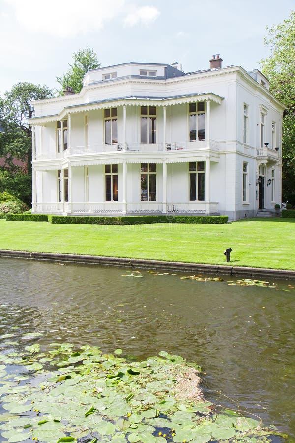 Wit Victoriaans Huis stock afbeeldingen