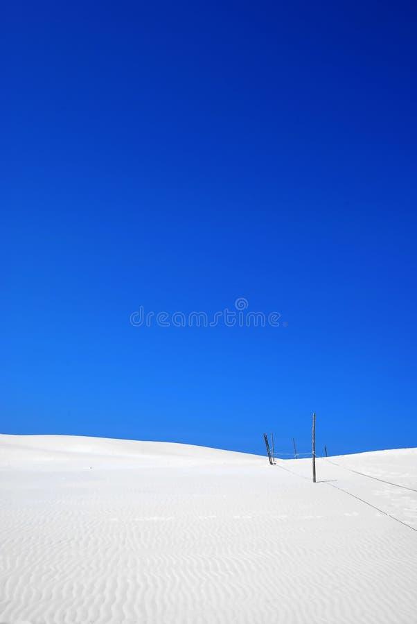 wit zand op de woestijn stock fotografie