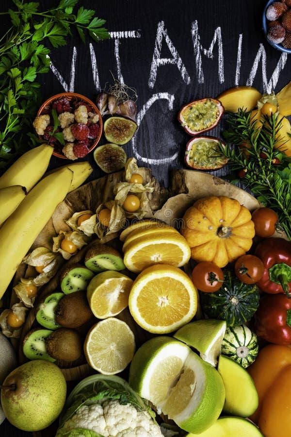 Witamina C w owoc i warzywo Naturalni produkty bogaci w witaminie C obraz stock