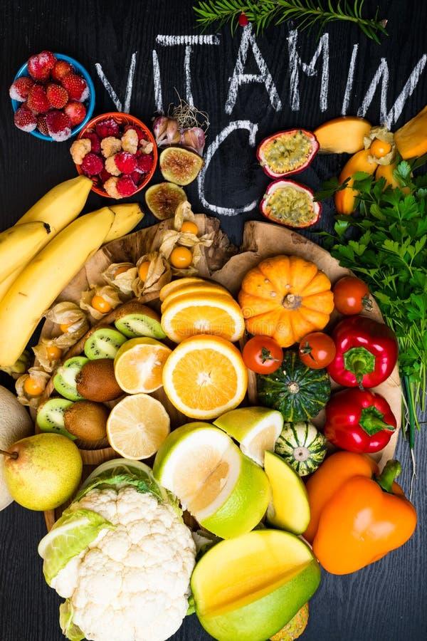 Witamina C w owoc i warzywo Naturalni produkty bogaci w witaminie C obrazy stock