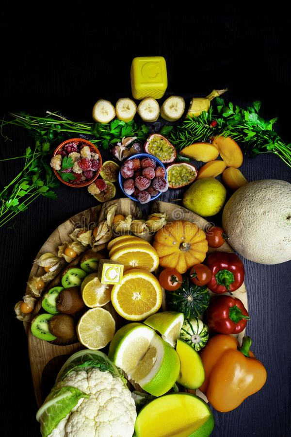 Witamina C w owoc i warzywo Naturalni produkty bogaci w witaminie C obraz royalty free