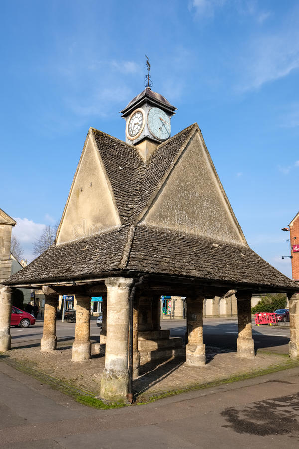 WITNEY, OXFORDSHIRE/UK - 3月23日:Buttercross在平方的市场上 免版税库存照片