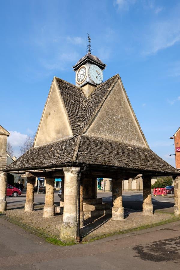 WITNEY, OXFORDSHIRE/UK - 23-ЬЕ МАРТА: Buttercross в рынке кв стоковые фотографии rf