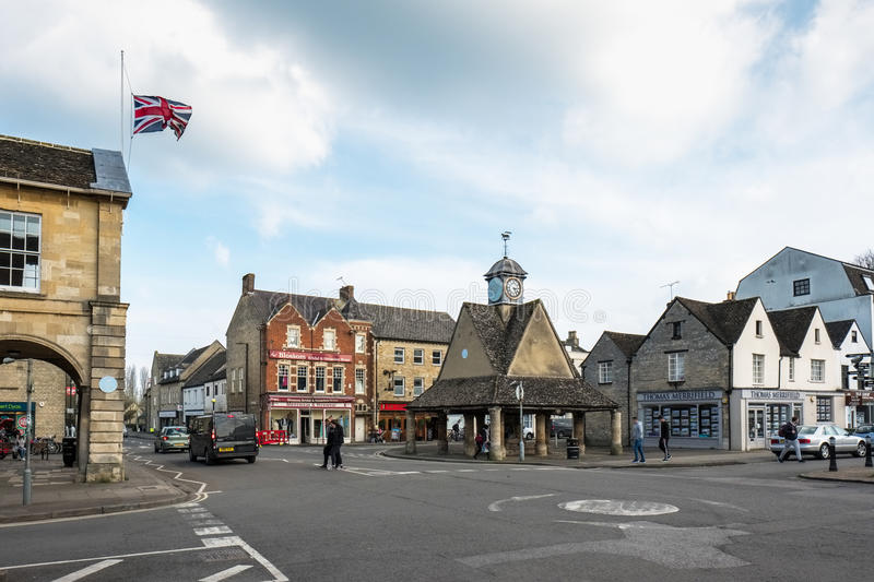 WITNEY, OXFORDSHIRE/UK - MARCH 23 : The Buttercross in Market Sq. Uare Witney in Oxfordshire on March 23, 2017. Unidentified people stock photography
