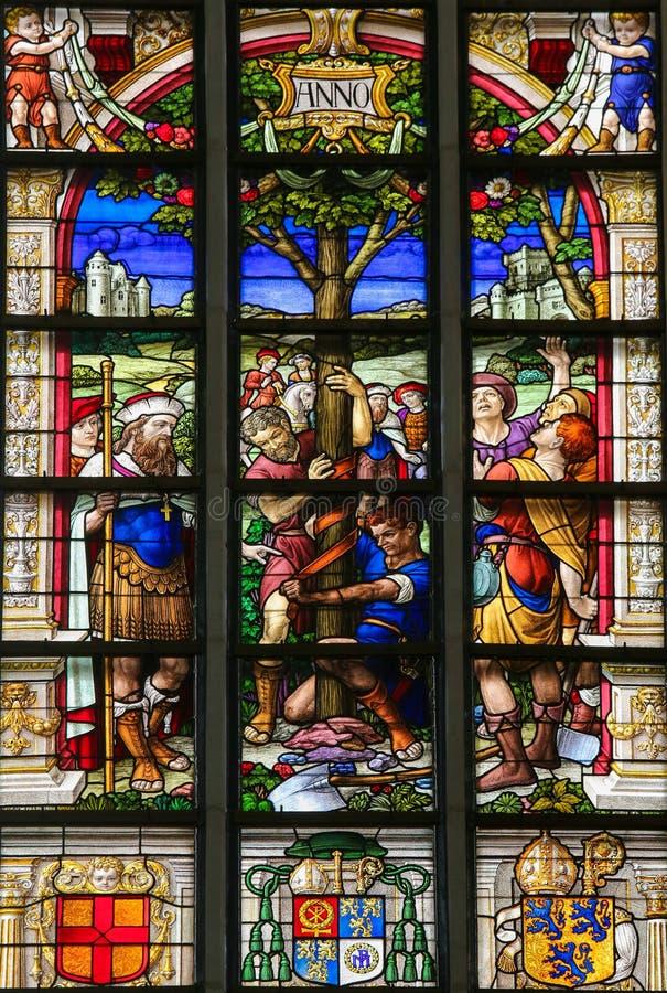 Witraż - St Gummarus i drzewo cud zdjęcia stock