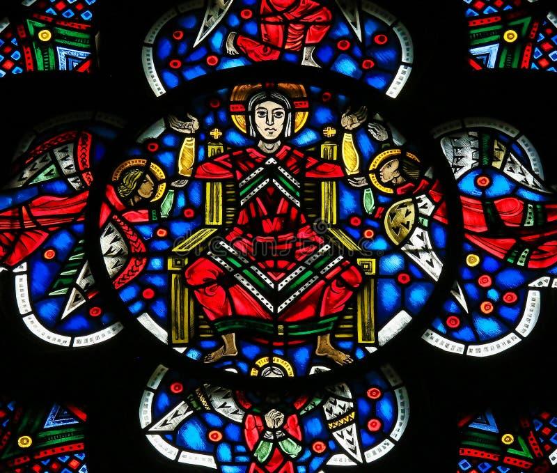 Witraż w dżdżownicach - jezus chrystus w niebie zdjęcie royalty free