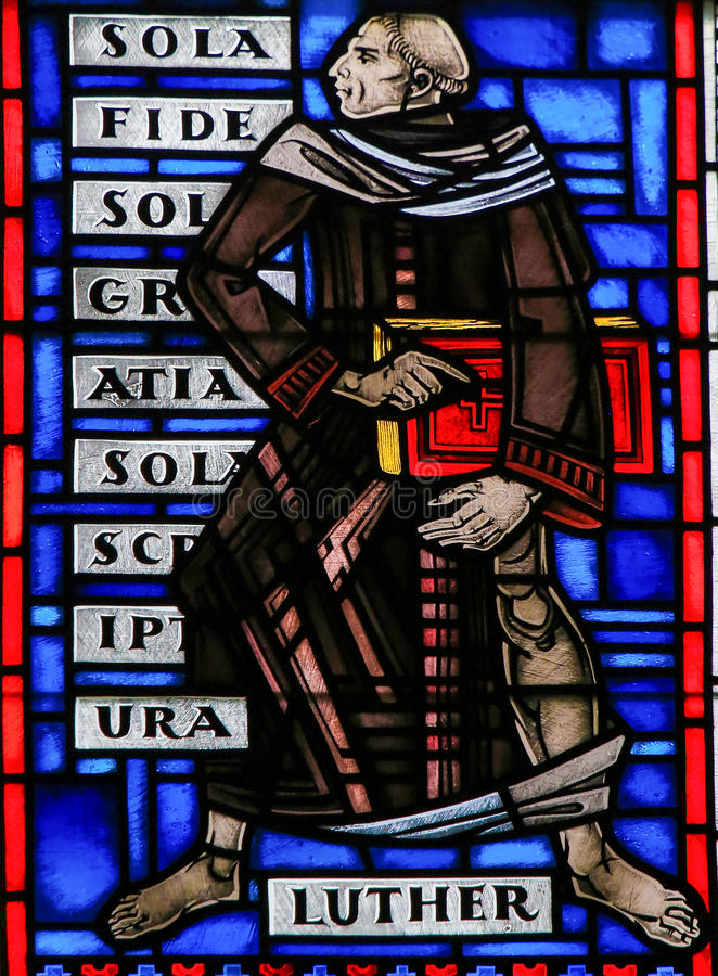 Witraż w dżdżownicach - Martin Luther fotografia royalty free