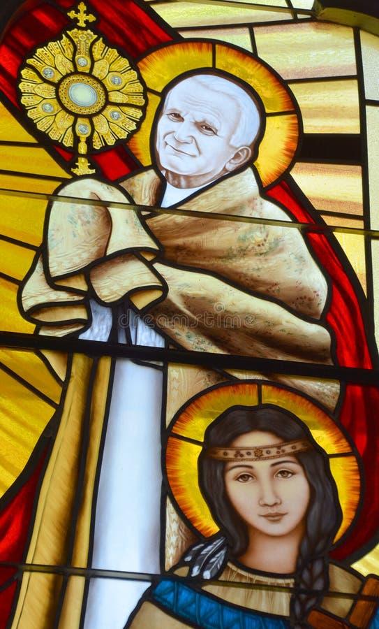 Witrażu okno Wielkomiejska katedra Nasz dama Święty różaniec fotografia royalty free