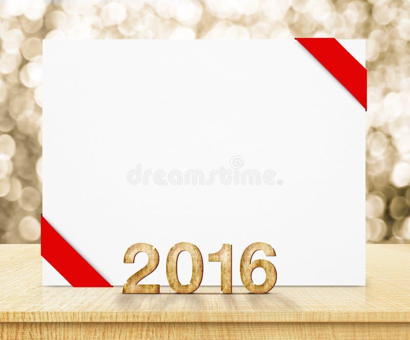 Witte affiche met rood lint en het jaar houten textuur van 2016 met kuuroord stock afbeelding