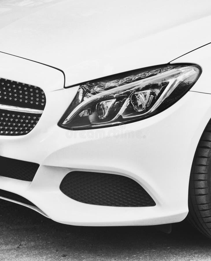 Witte auto dichte omhooggaand De deur van gashoudershell royalty-vrije stock foto's
