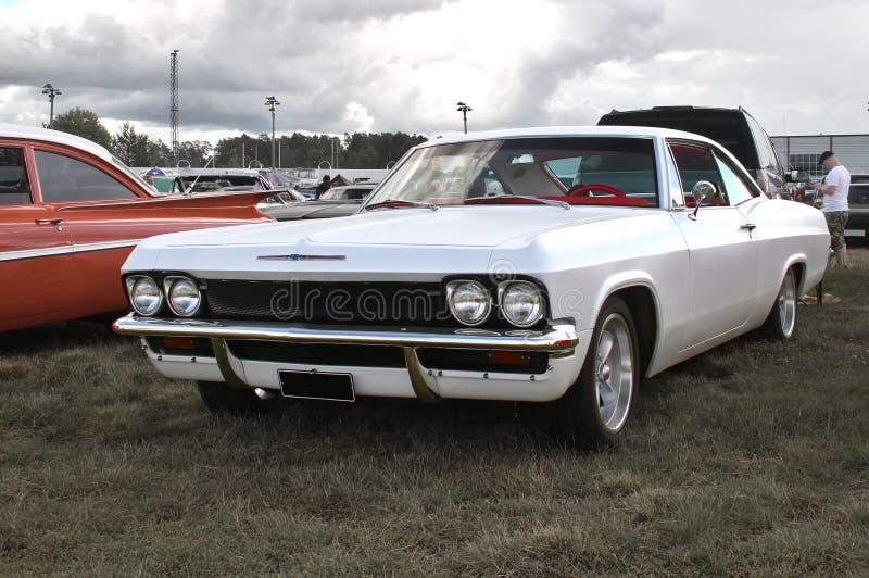 Witte Chevrolet stock foto