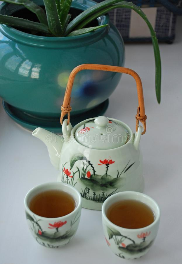 Witte Chinese thee in kommen, gezonde dranken, ceremonie De ruimte van het exemplaar royalty-vrije stock afbeelding
