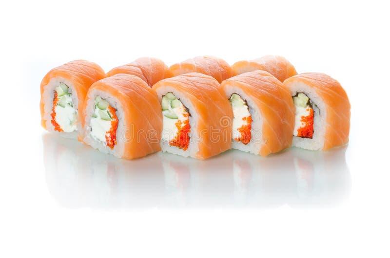 Witte die achtergrond met bezinning, de Japanse mooie keuken wordt geïsoleerd van sushibroodjes stock afbeeldingen