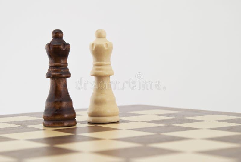 Witte en zwarte schaakkoningin royalty-vrije stock fotografie