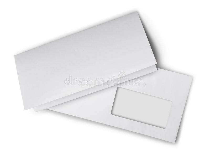 Witte envelop met gevouwen leeg blad voor correspondentie stock afbeeldingen