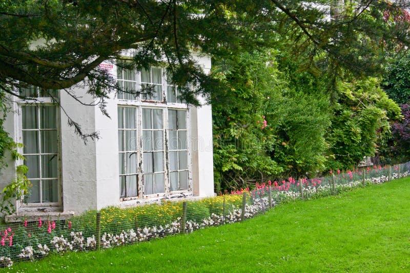 Witte erker, van een victorian huis, Killarney, Ierland stock afbeeldingen