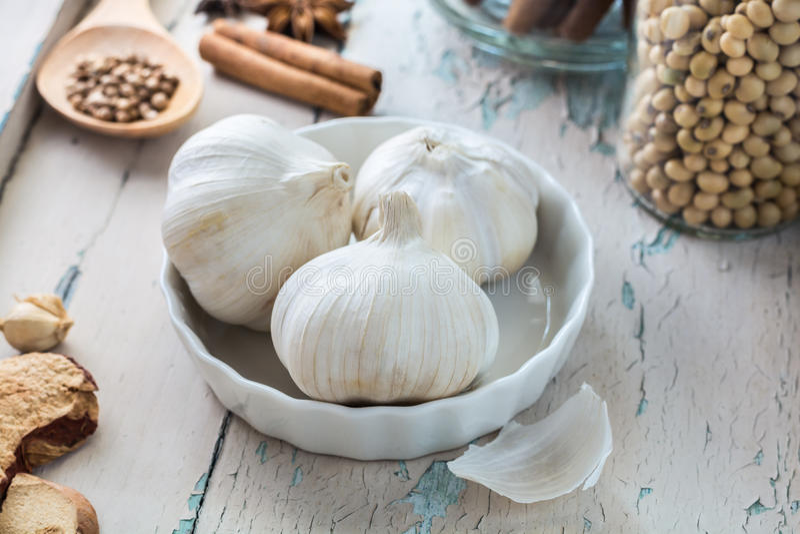 Witte garlics royalty-vrije stock foto's