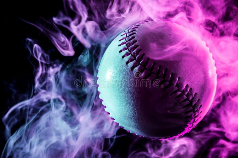 Witte honkbalbal stock foto's