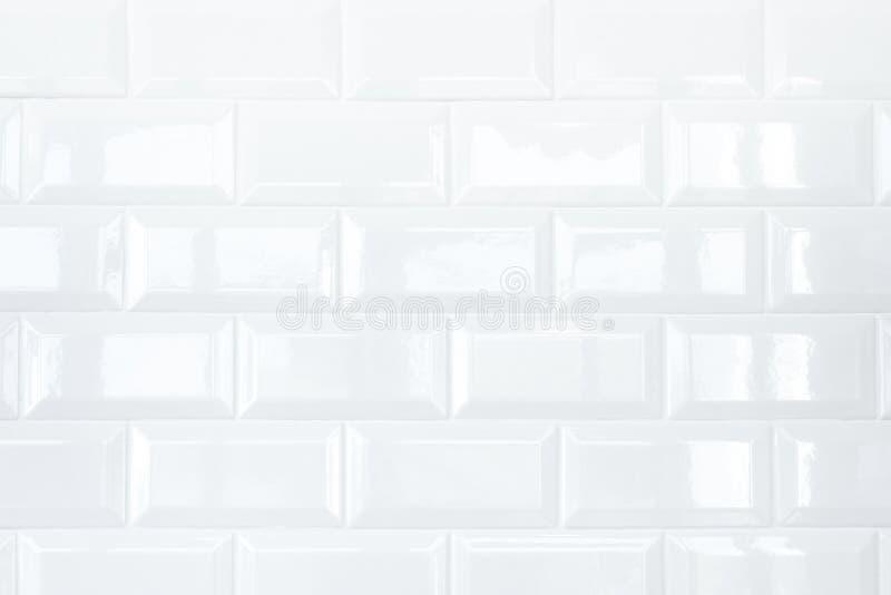 Witte Keramische tegelbakstenen muur royalty-vrije stock fotografie
