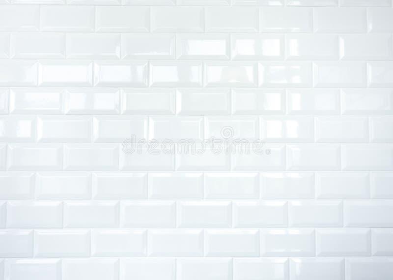 Witte Keramische tegelbakstenen muur stock afbeeldingen