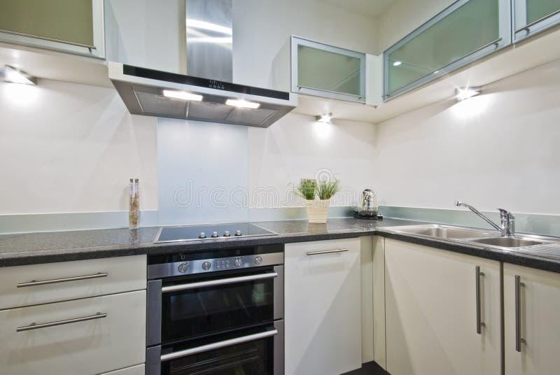 Witte keuken royalty-vrije stock afbeeldingen