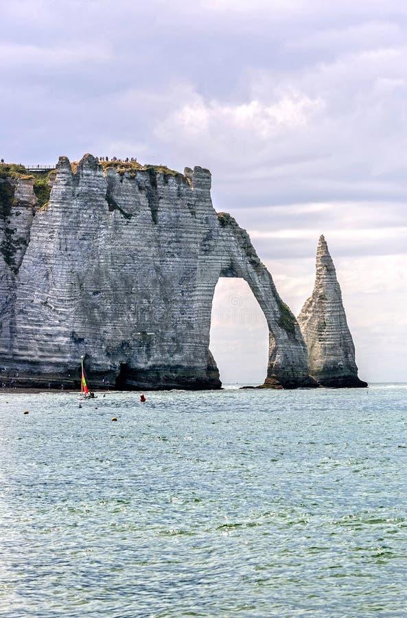 Witte Klippen van Etretat, Normandië, Frankrijk royalty-vrije stock afbeeldingen