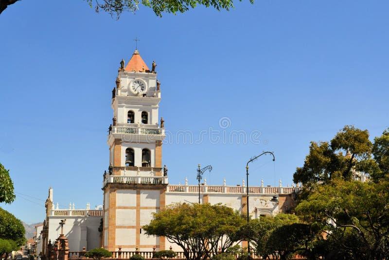 Witte koloniale architectuur in Sucre, Bolivië royalty-vrije stock fotografie