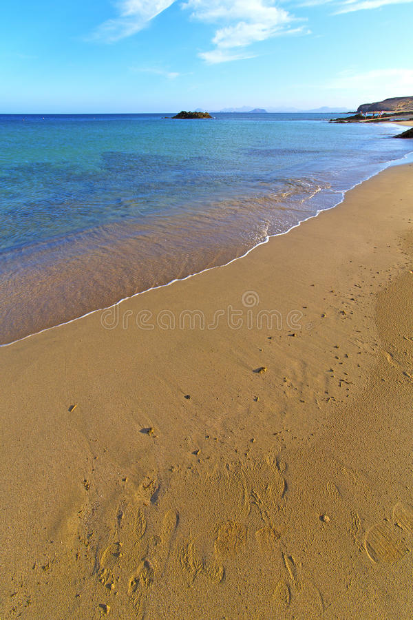 Witte kust lanzarote in de voetstap van Spanje royalty-vrije stock afbeeldingen