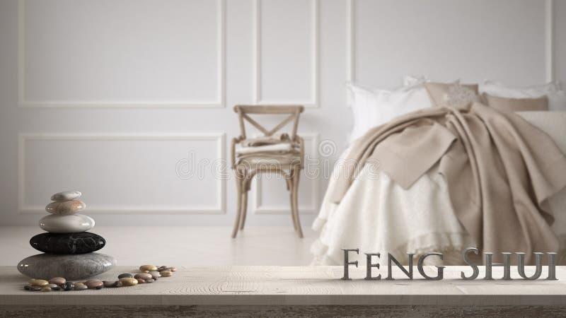 Witte lijstplank met kiezelsteensaldo en 3d brieven die woord feng shui over evintage klassieke slaapkamer maken met zacht bedhoo royalty-vrije stock afbeeldingen