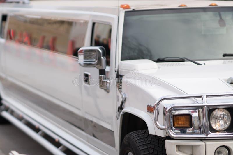 Witte limousineauto stock fotografie