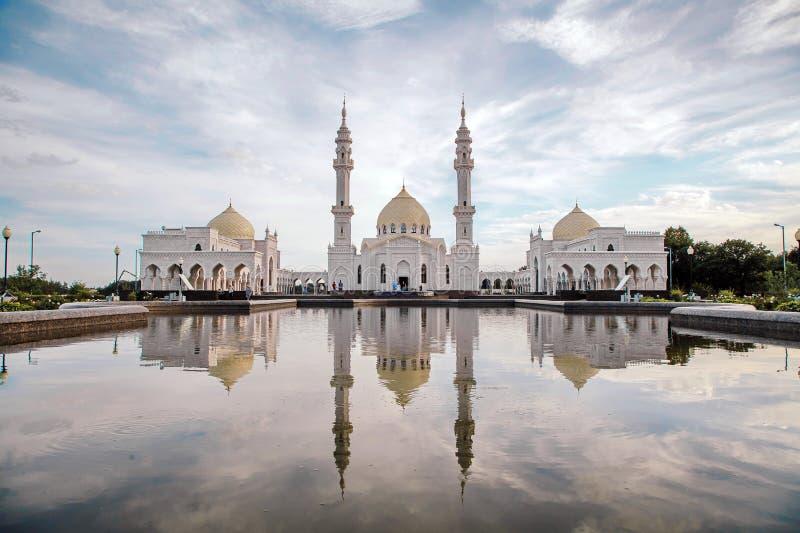 Witte moskee in aanbouw in Bolgar, Tatarstan, Rusland stock foto