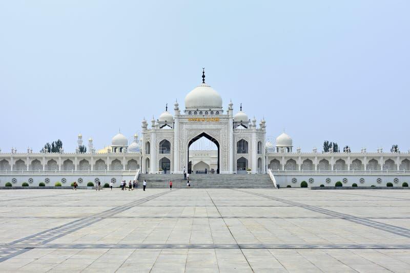 Witte moskee op het Hui Cultural-centrum in Yinchuan, Ningxia-Provincie, China stock afbeelding