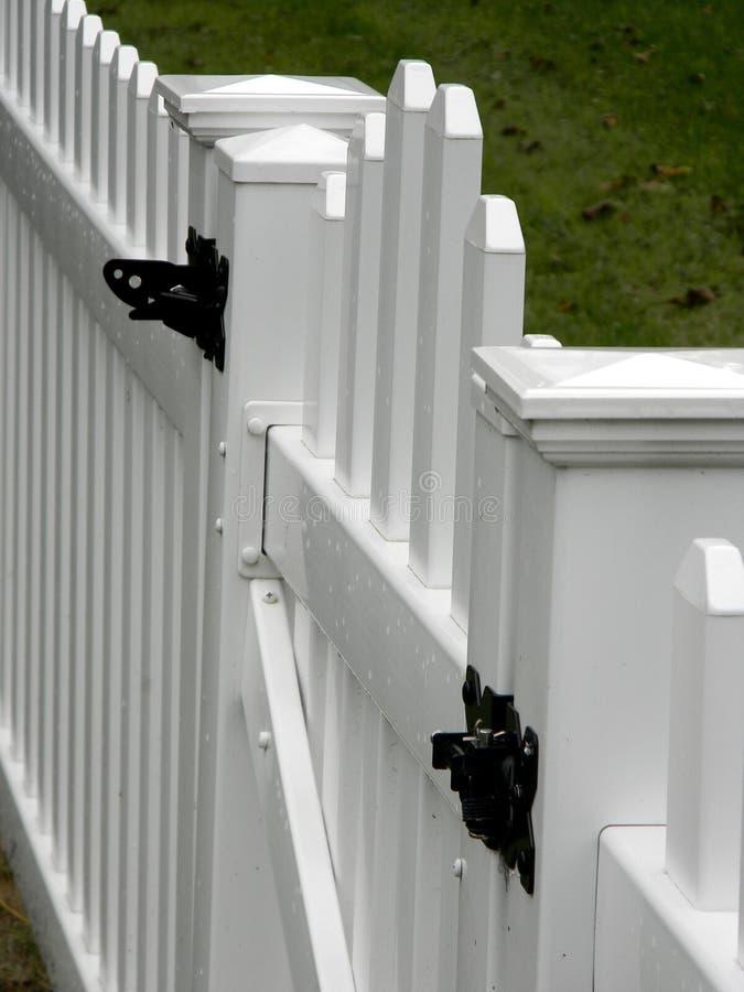 Witte Omheining Gate royalty-vrije stock afbeelding
