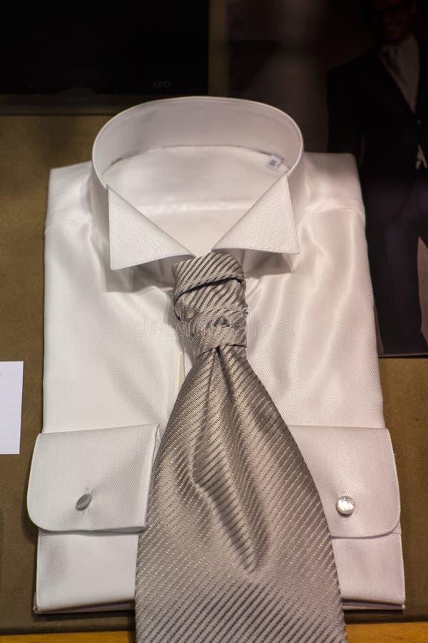 Witte overhemden stock afbeeldingen
