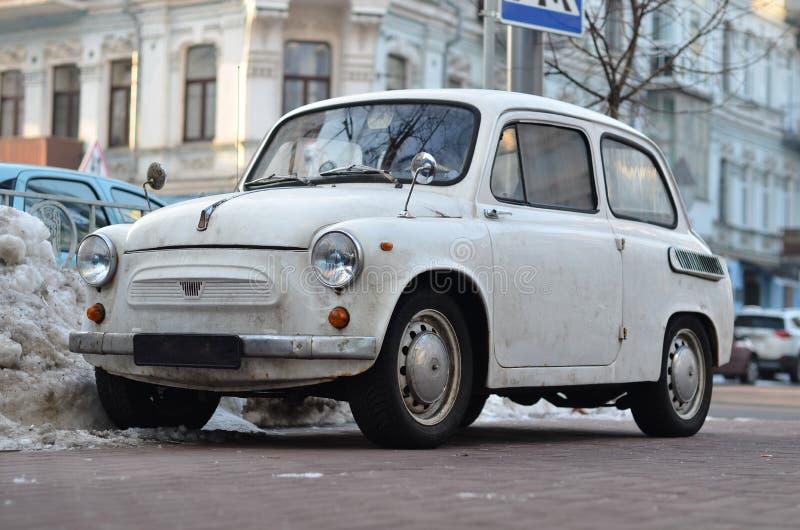 Witte retro auto stock afbeelding