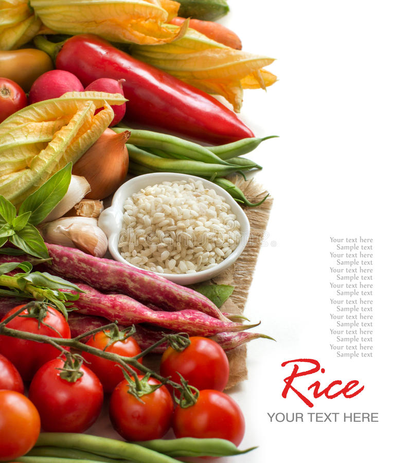 Witte rijst in kom en verse groenten royalty-vrije stock afbeelding