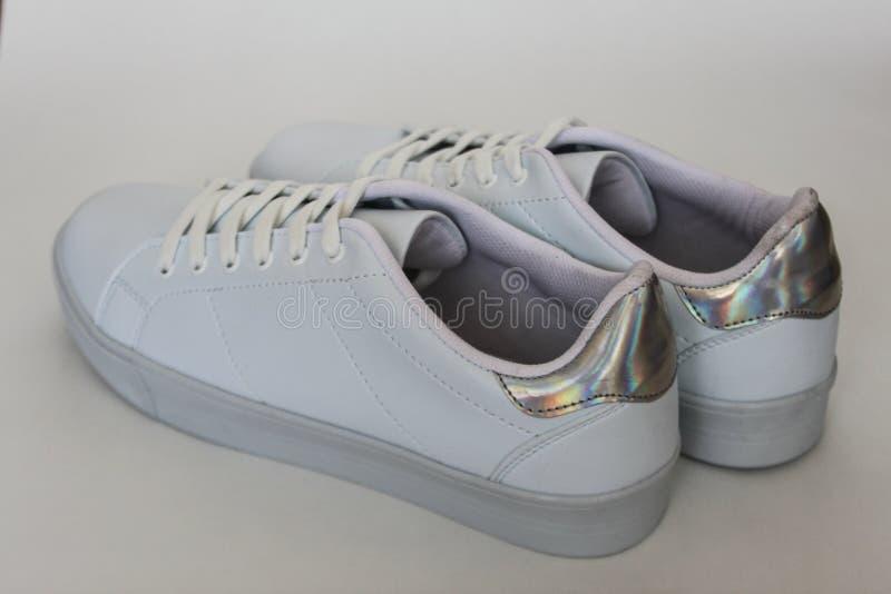 Witte schoenen stock afbeeldingen