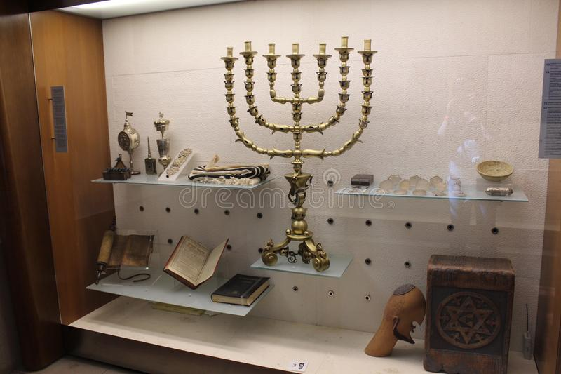 Witte Synagoge Binnenlandse mening van de Synagoge van Santa Maria Blanca van Toledo, Spanje stock foto's