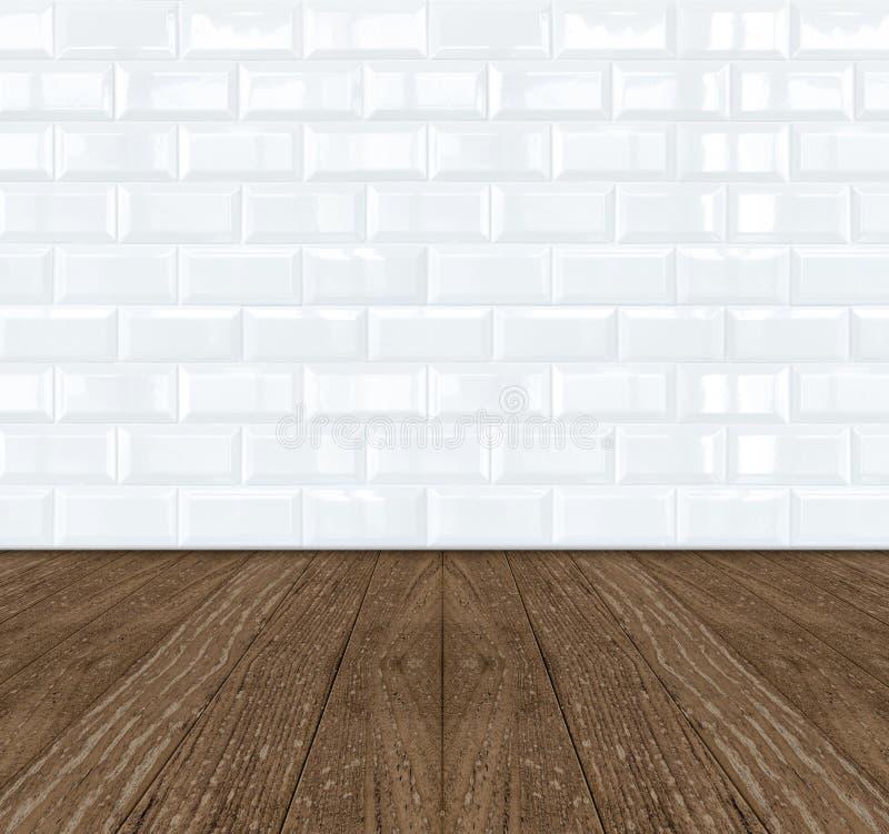 Witte tegelmuur Van keramische steen en houten vloer stock afbeeldingen