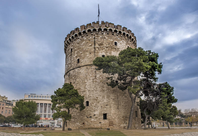 Witte Toren in de stad van Thessaloniki stock fotografie
