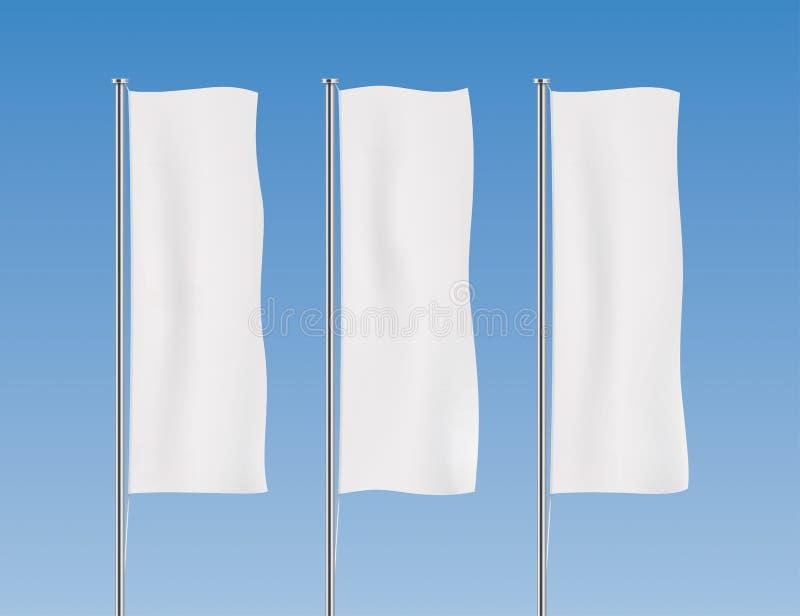 Witte verticale bannervlaggen op een hemelachtergrond royalty-vrije illustratie