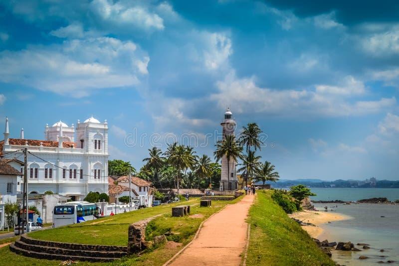 Witte Vuurtoren op de kust in Galle Sri Lanka stock afbeeldingen