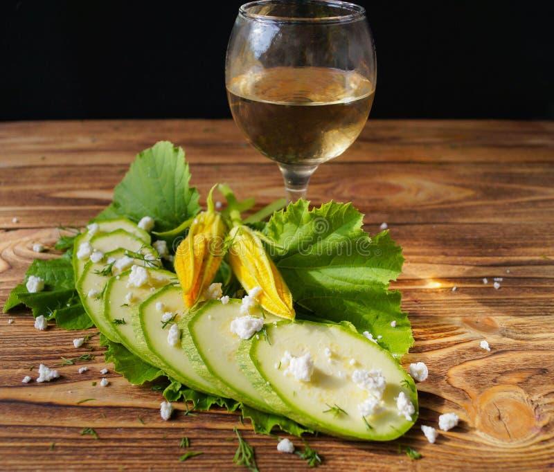 Witte wijn, courgette en kwark royalty-vrije stock afbeeldingen