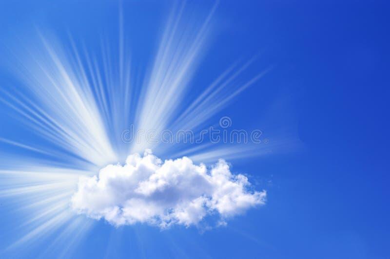 Witte wolk en zon royalty-vrije stock fotografie