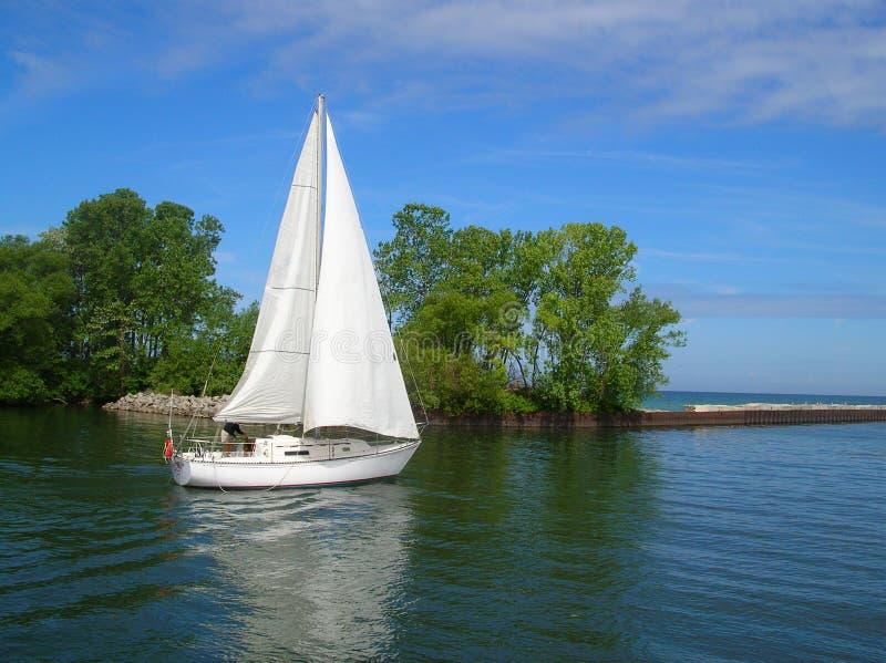 Witte Zeilboot stock afbeeldingen