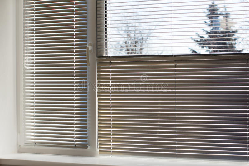 Witte zon-bescherming jaloezie royalty-vrije stock fotografie