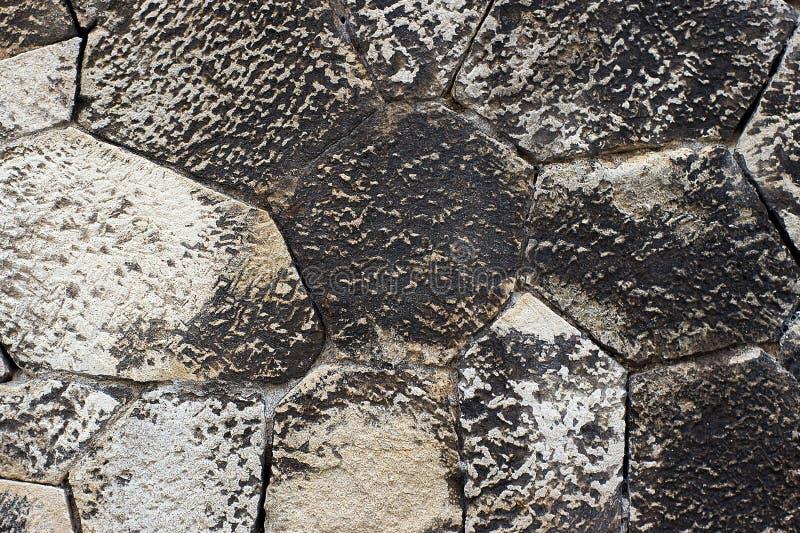 Witte zwarte de muurachtergrond of textuur van de grungesteen royalty-vrije stock afbeelding