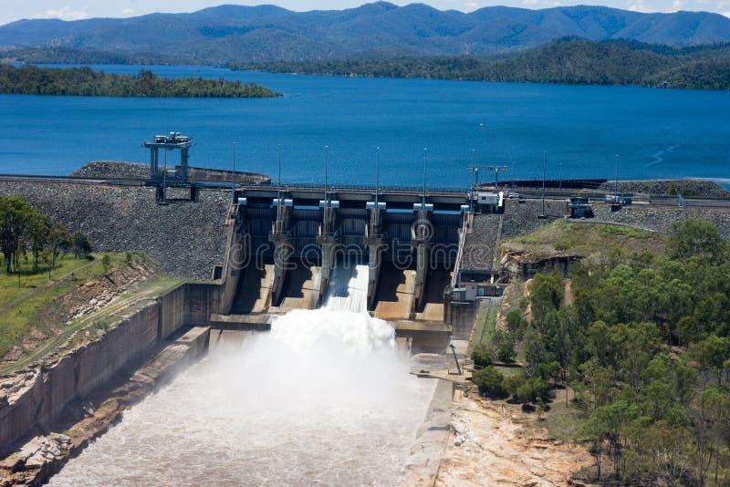 发布水的Wivenhoe水坝 图库摄影