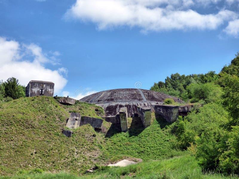 WIZERNES, FRANKREICH - 1. MAI 2019: Das Hauben-La Coupole ist ein Bunkerkomplex des zweiten Weltkriegs, der von Nazi Germany erri lizenzfreie stockbilder